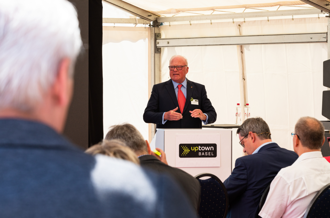Photos for this media folder, Dr Thomas Staehelin, Chairman of the Board of uptownBasel AG and private investor, welcomes the guests © Copyright Sara Barth, Basel  Digitale Medienmappe «Laying the uptownBasel foundation stone: a quantum leap for the industry», uptownBasel